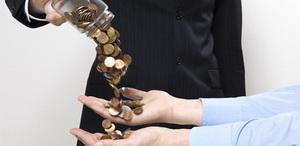 Омским бюджетникам увеличат заработную плату