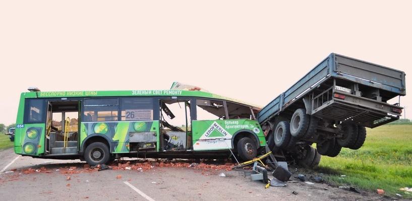 Омская полиция: водитель автобуса мог предотвратить трагедию на Сыропятском тракте