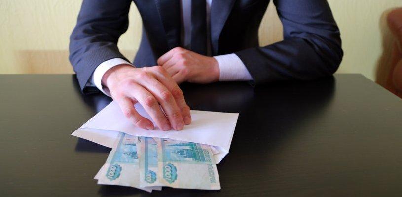 Инженера омского «Полета» обвиняют в коммерческом подкупе