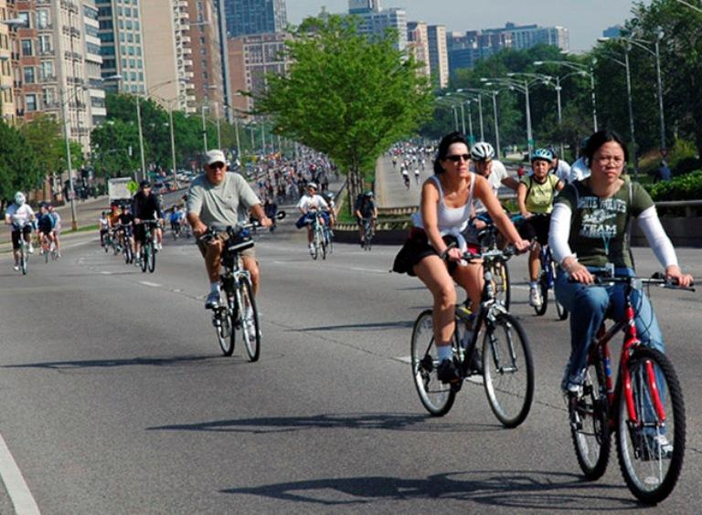 Велосипедистов могут заставить учить правила дорожного движения
