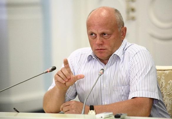 Назаров подал документы в избирательную комиссию на участие в выборах губернатора Омской области