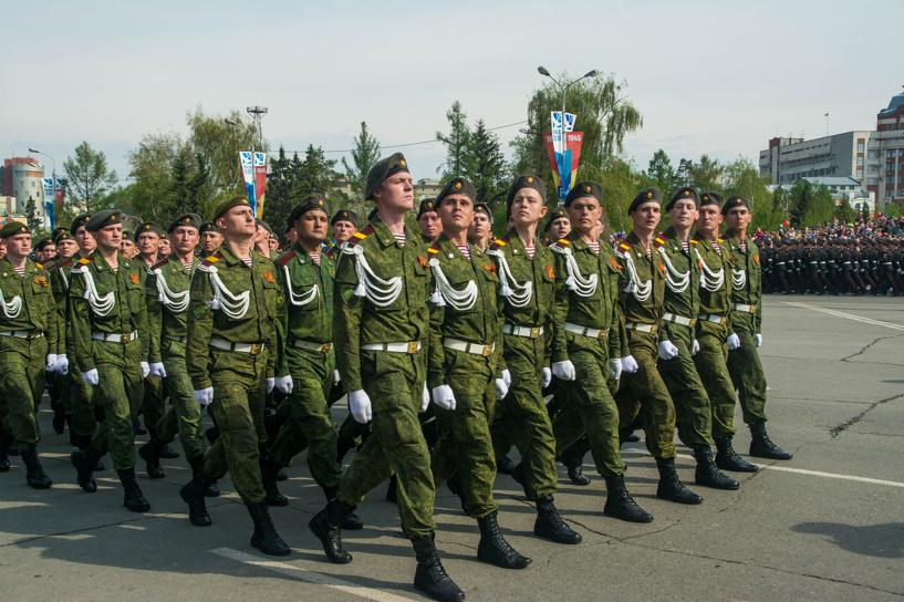 В Омске прошел парад в честь 70-летия Победы