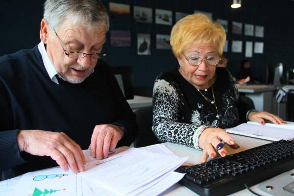 Работающие пенсионеры Омска получат прибавку к пенсии