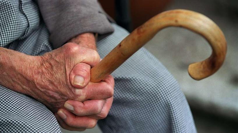 В Омске у пенсионера из тайника украли 100 тысяч рублей