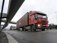Владельцы грузовиков заплатят за проезд по федеральным трассам