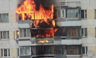 В Омске в девятиэтажке сгорел пенсионер
