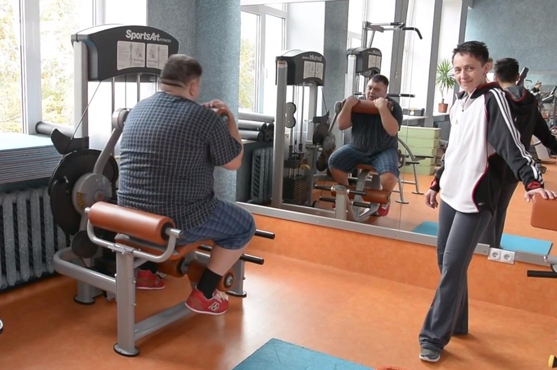 Омский губернатор отправил 140-килограммового подчиненного худеть вспортзал