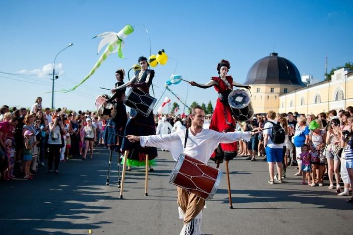 В Омске в День города на улице устроят театральные представления