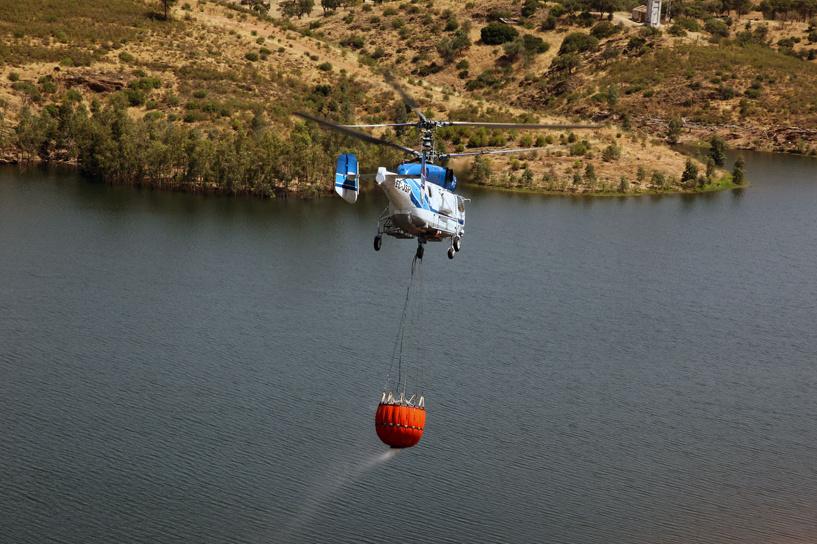 Россия показала в Дубае вертолет для тушения пожаров на небоскребах