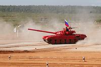 Первый в истории танковый биатлон выиграла Россия