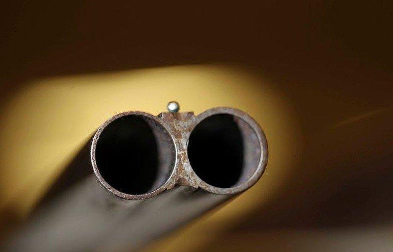 Под Омском погиб охотник, случайно выстрелив в себя из ружья