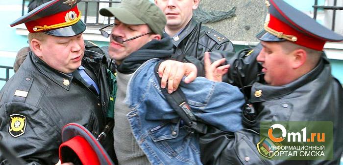 В Омской области двух полицейских уволили и еще шестерых наказали за избиение задержанного