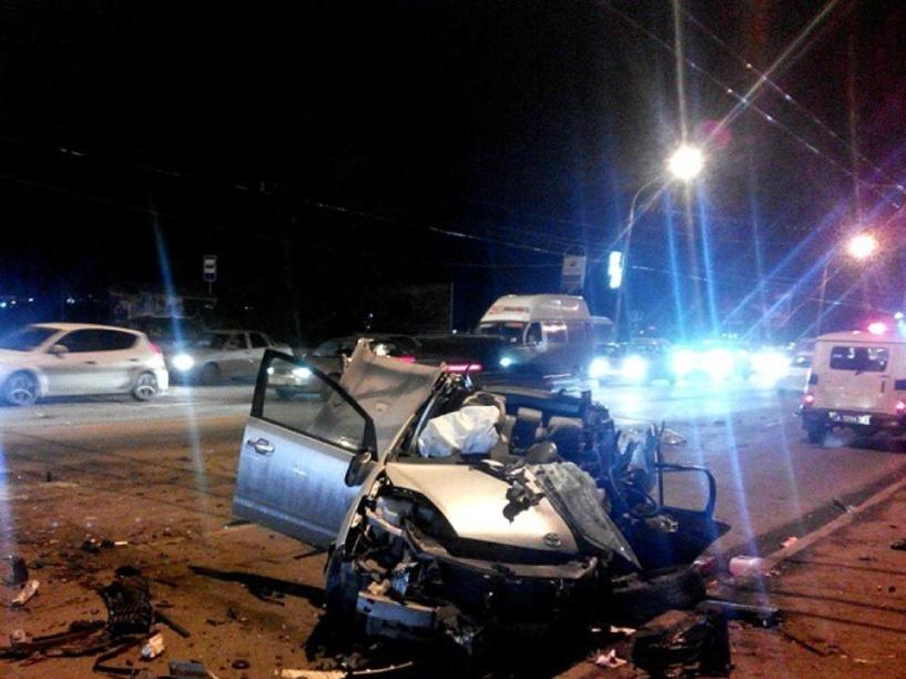 В ДТП у «Парка Победы» погиб омич, трое в больнице