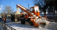 Омские дорожники чистят город от снега в усиленном режиме