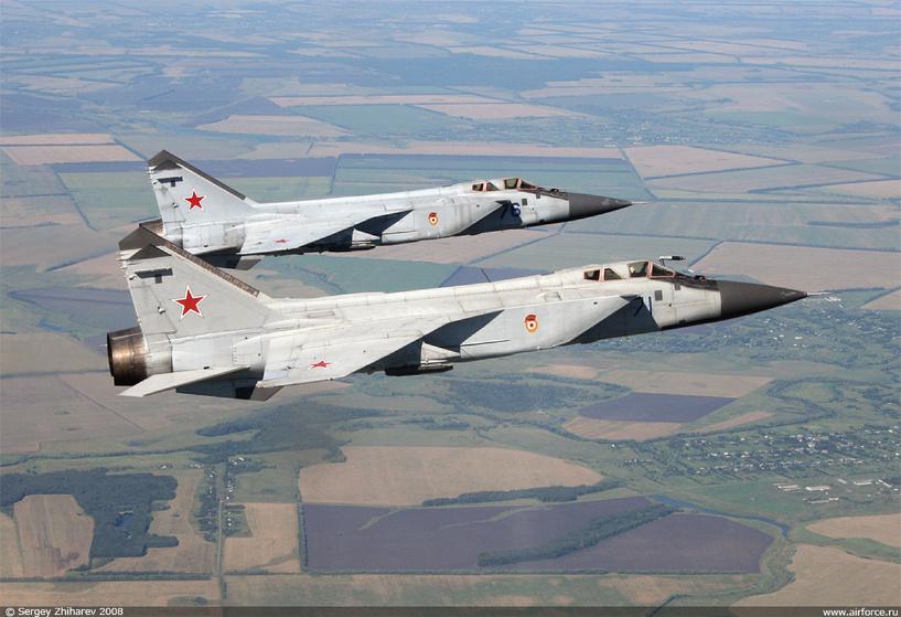 Полсотни самолетов Су и МиГ заступили на боевое дежурство в ЦВО