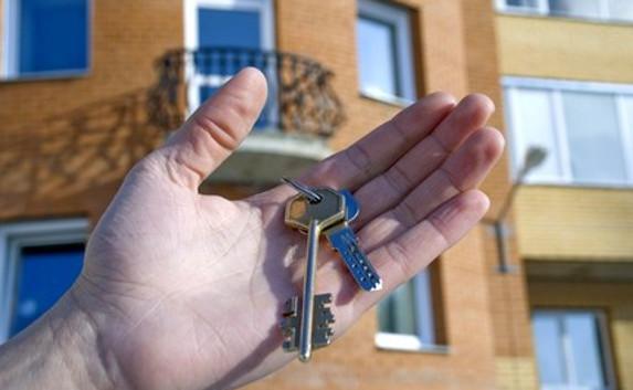 В Омской области глава района приватизировал служебную квартиру
