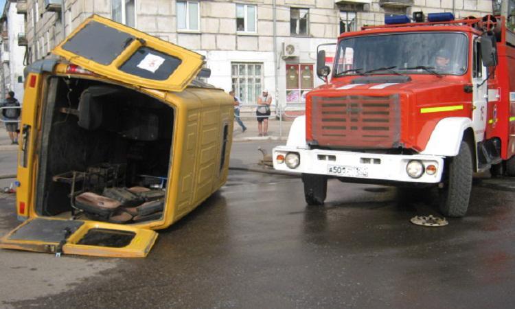 В Омске две маршрутки попали в аварию