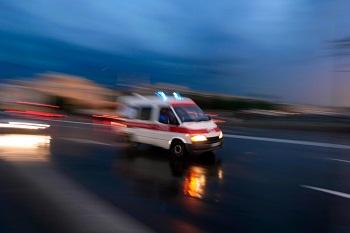 На дороге Омск-Тара Toyota врезалась в МАЗ и мотоблок