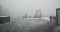 Омичи стоят в пробках: в городе туман