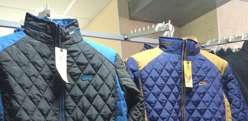 Омский магазин уличили в торговле контрафактными футболками Adidas