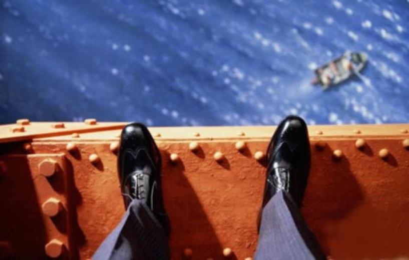 В Омске мужчина прыгнул с моста у Телецентра
