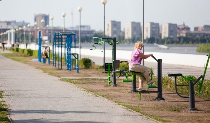 На Иртышской набережной сегодня появятся новые тренажеры