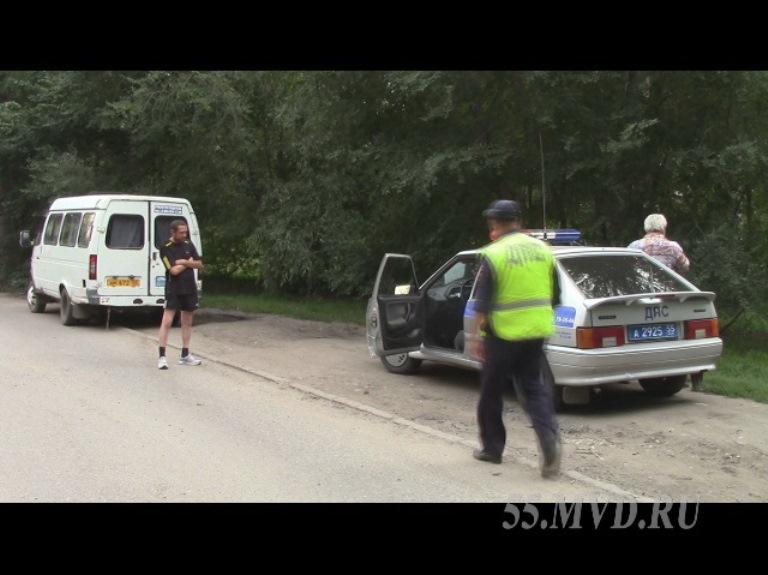 Омские полицейские поймали двух пьяных водителей маршруток