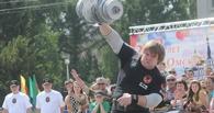 В Омске на соревнованиях силачей спортсмен поднял гантель весом 140 кг и сломал её