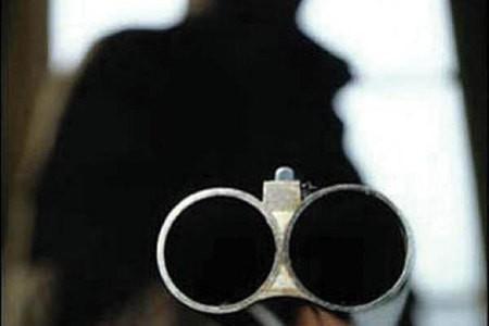 Омич стрелял по машинам из охотничьего ружья