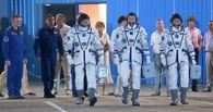 «Союз» с тремя космонавтами и нераскрывшейся солнечной батареей пристыковался к МКС