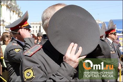 В Омске будут судить опера, который помогал карманным ворам