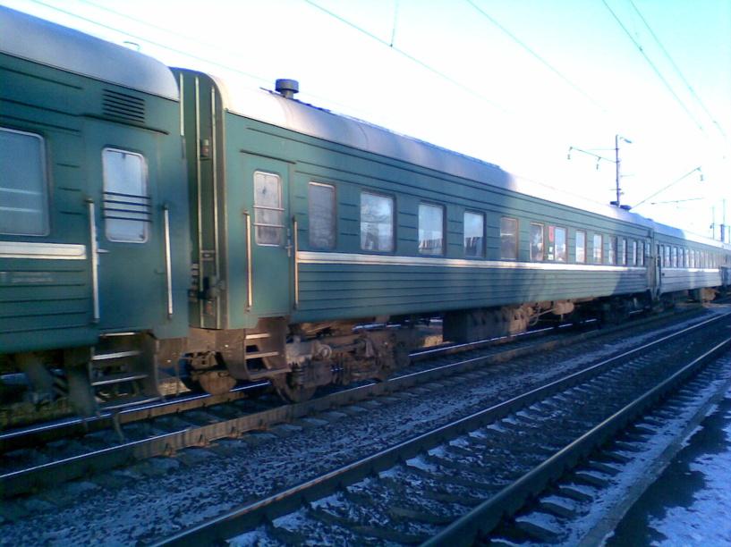 Поезд сибиряк, следующий маршрутом новосибирск - москва, унесет вас прочь от заснеженных сибирских холмов