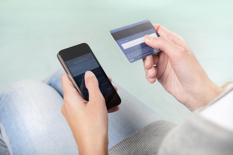 Ошибка в одной цифре сотового телефона лишила омича денег