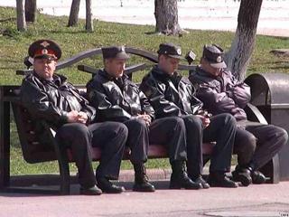 В Омской области еще один бывший полицейский использовал труд арестантов