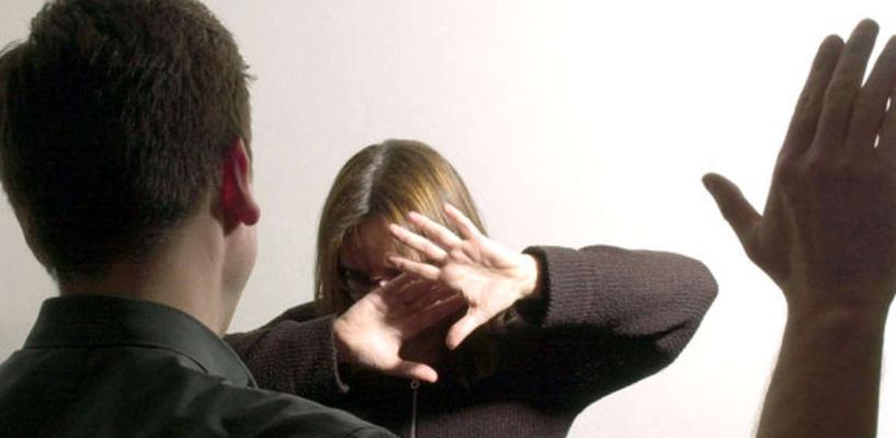 Жителя Омской области, избивавшего мать, посадили на три года