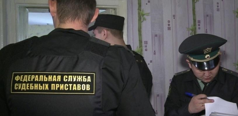 В Омске два чужих друг другу человека не поделили квадратные метры общей квартиры