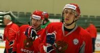 Хоккеиста «Авангарда» Бурдасова запечатлели за пивом с Бастой