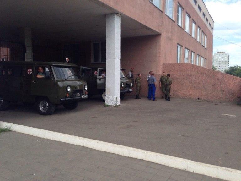 Омские врачи всю ночь работали на пределе, спасая раненых военнослужащих