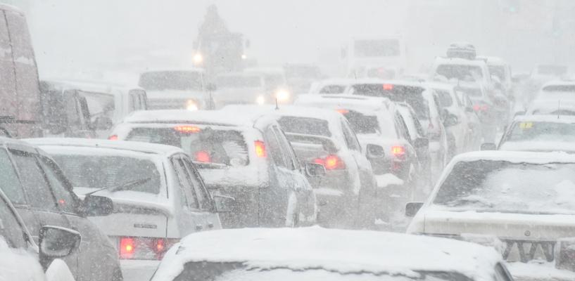 Пробки в Омске: ДТП на Нефтезаводской и затор на Красноярском тракте