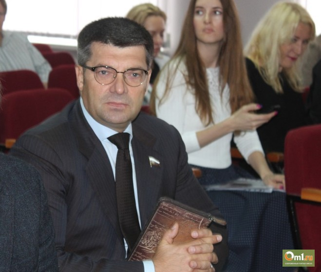 Омский областной суд допросит свидетелей по делу Олега Денисенко