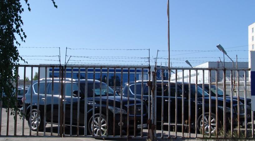 АвтоВАЗ распродает парк иностранных авто своего руководства
