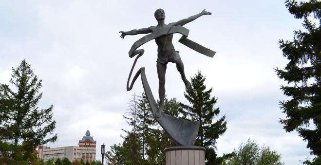 SIM и «Кросс наций» поделили для Омска и области