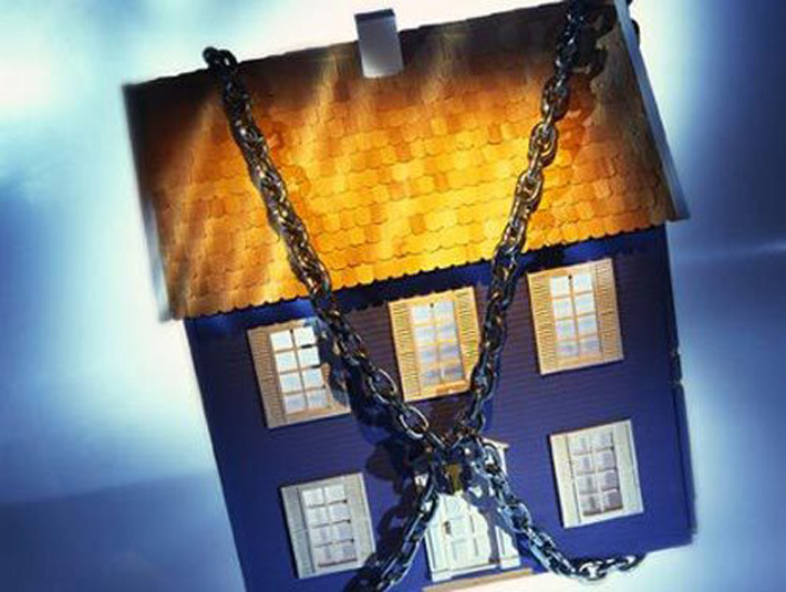 Красиво жить не запретишь: омичка набрала кредитов, а теперь расплачивается квартирой