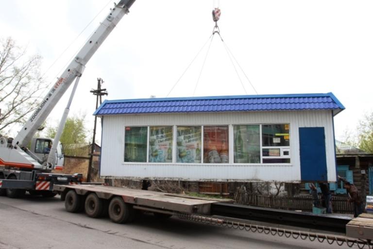 В Омске владельцы киосков на Привокзальной площади препятствуют их сносу