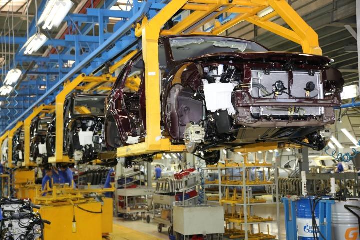 Ввоз китайских автомобилей в Россию снизился более чем на треть