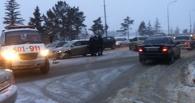 Тройное ДТП на набережной в Омске — пробка в обе стороны
