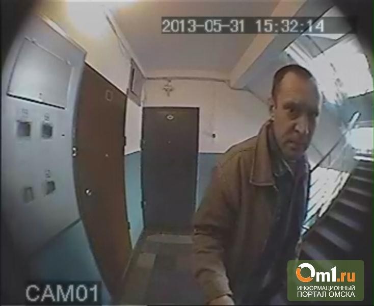 Омские полицейские до сих пор не нашли обидчика старушки