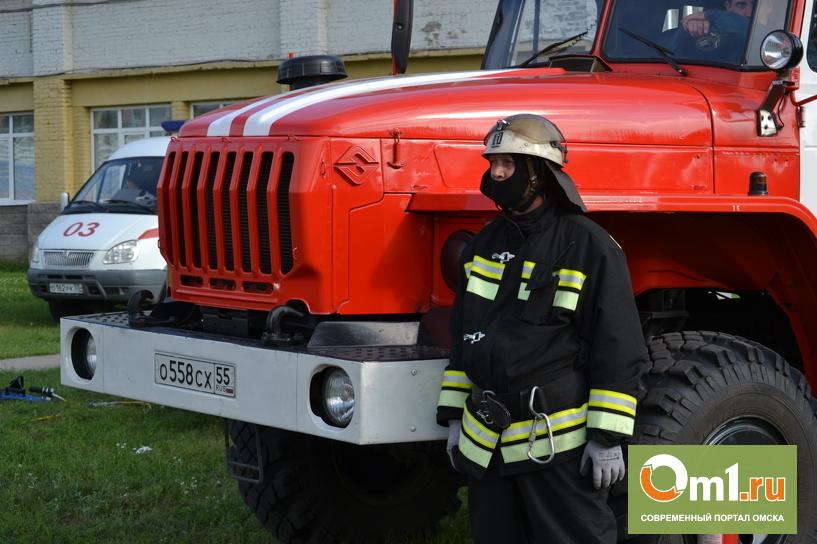 В Омске в пятиэтажке заживо сгорели двое мужчин