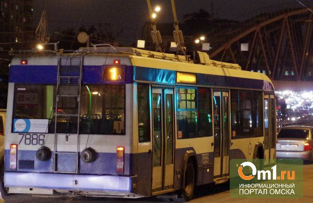 В праздники общественный транспорт Омска изменит расписание