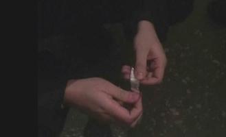 Полиция поймала молодого драгдилера с более чем 30 пакетиками «соли»